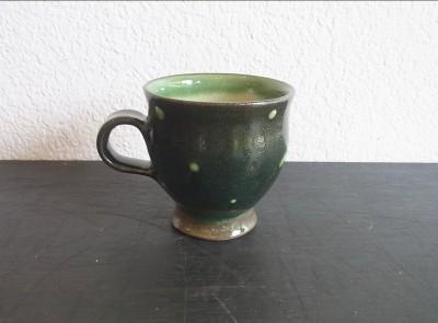 福田 マグカップ 黒地緑ドット